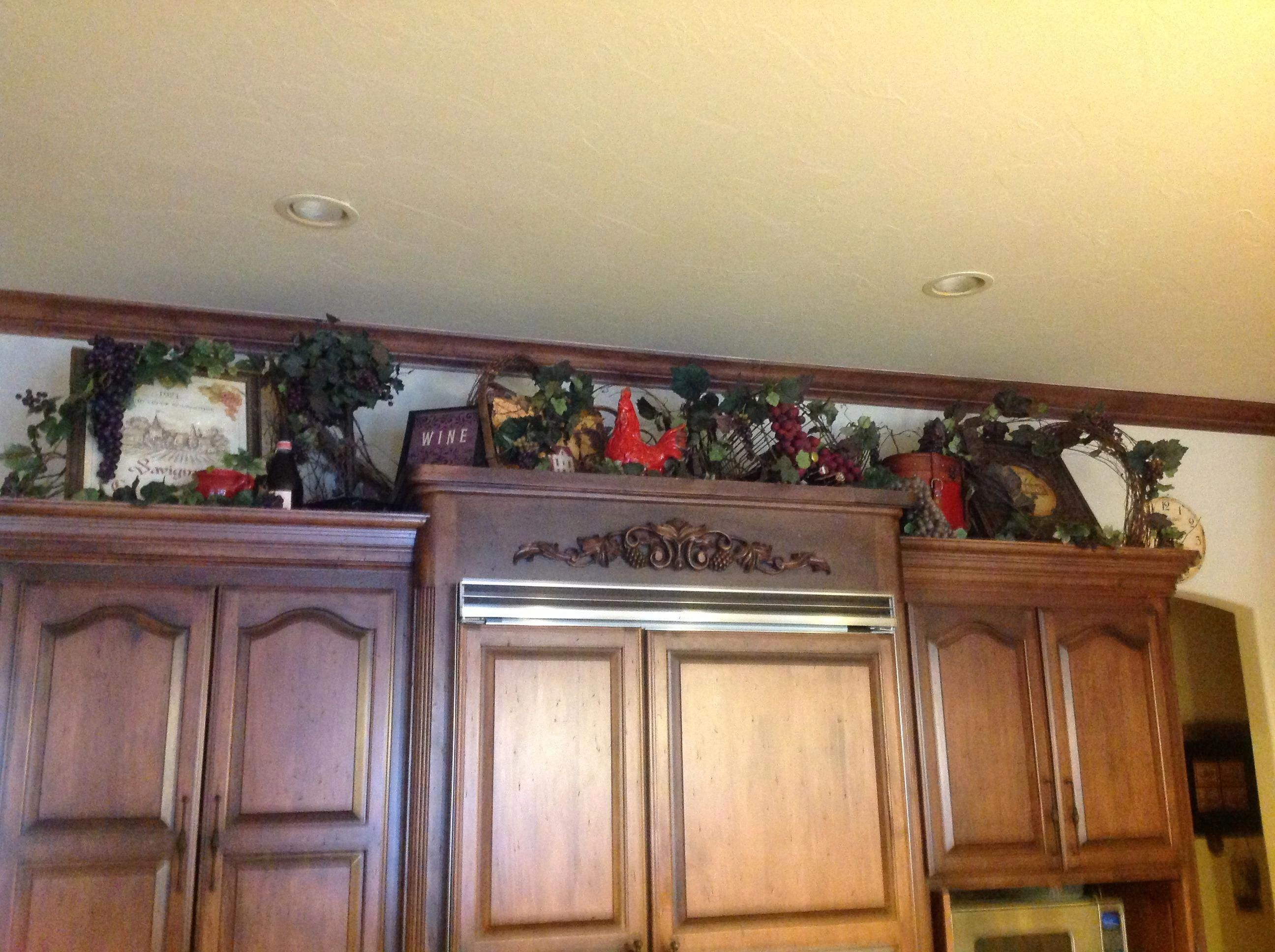 Tuscan decor above cabinets #Tuscandecor #Tuscandesign ... on tuscan kitchen design gallery, tuscan decorating above kitchen cabinets, over kitchen cabinet decorating ideas, tuscan kitchen colors, decorating above kitchen cabinet ideas, tuscan kitchen accessories,