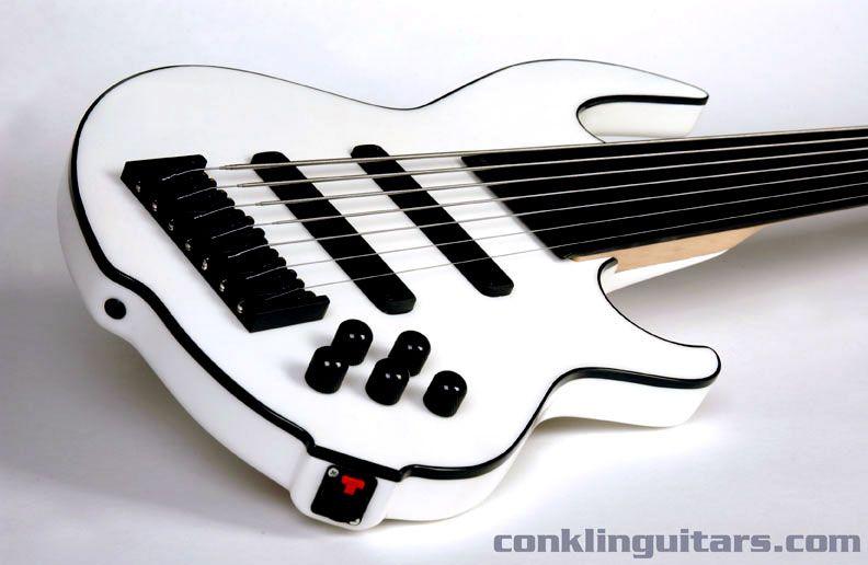 conklin guitars custom 7 string fretless bass white with black binding basses electric. Black Bedroom Furniture Sets. Home Design Ideas