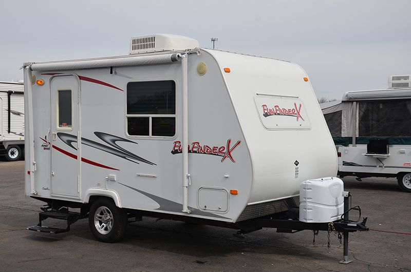 2009 Cruiser Rv Fun Finder X 160fs There Is A Fireplace Unit In