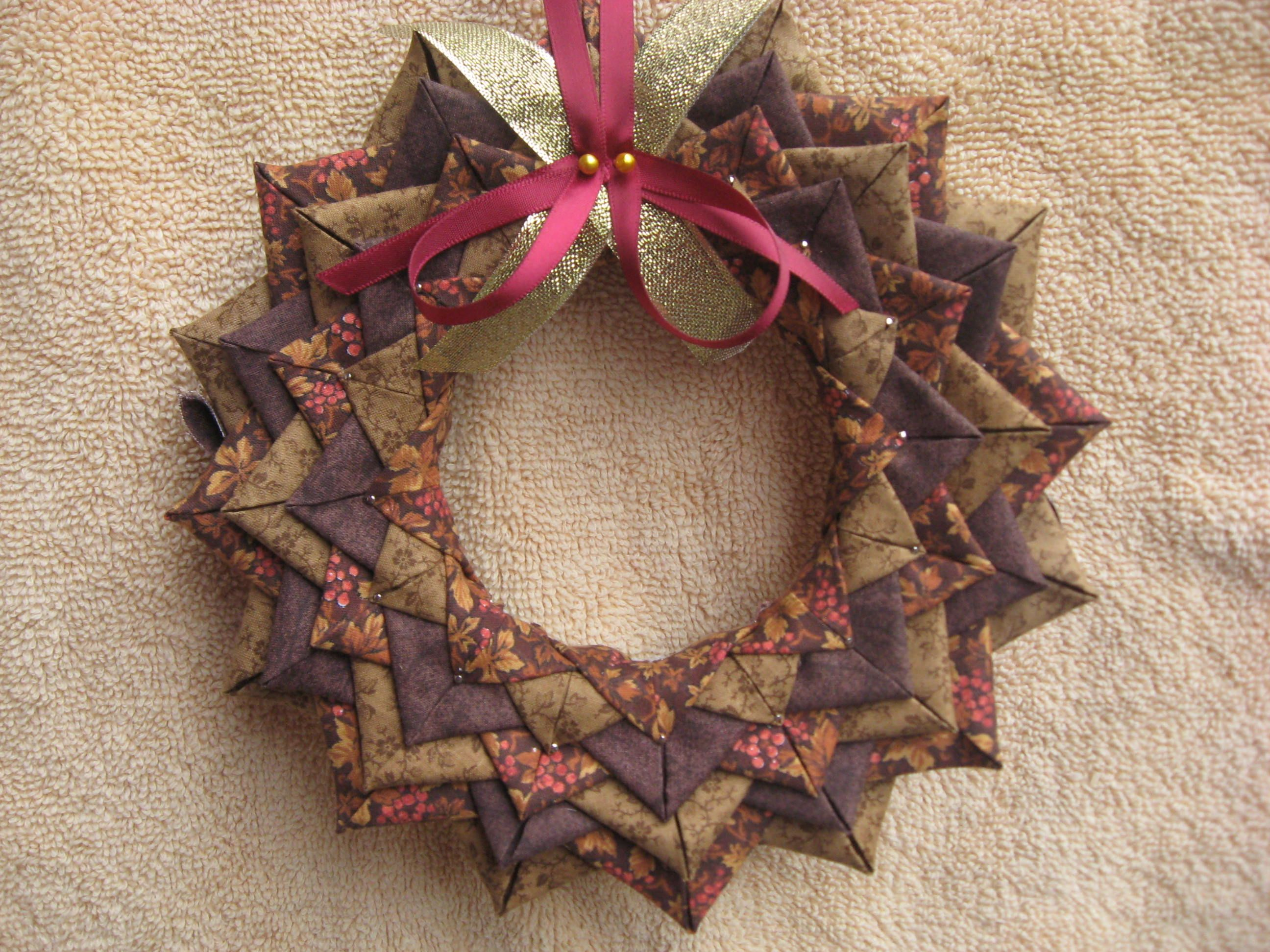 These Handmade Holiday Decorations Will Brighten Your