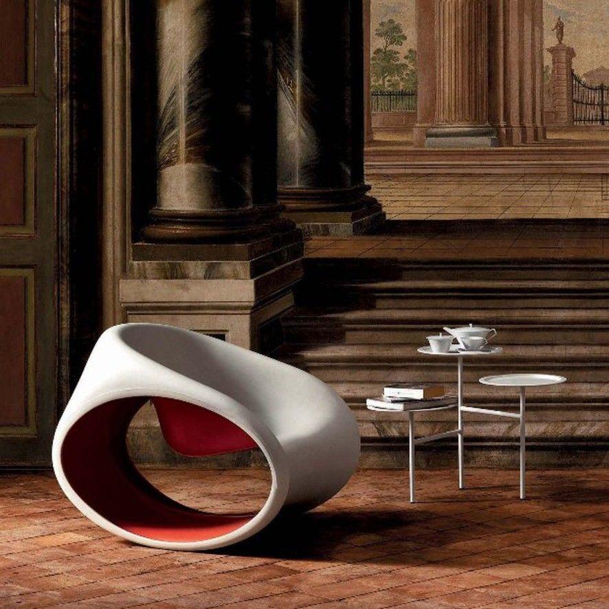عصري وكلاسيكي معرض المرأة السعودية الفورسيزون Redsquare Saudiwomenshow Design Designers Decor Furnit Modern Rocking Chair Chair Design Cool Chairs