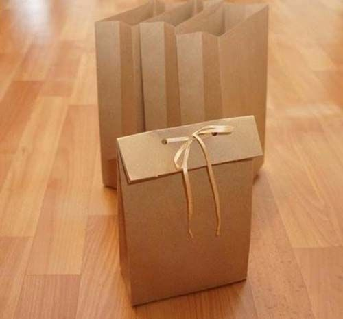 C mo hacer bolsas de regalo con las manos sin un patr n - Como hacer bolsas de regalo ...