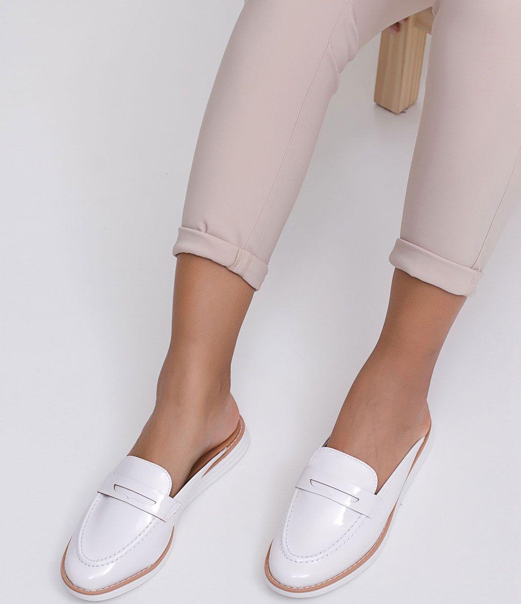 f3daa04858 Sapato feminino Mule Marca  Vizzano Material  sintético COLEÇÃO INVERNO  2017 Veja outras opções de sapatos femininos. Sobre a marca Vizzano Para  oferecer a ...