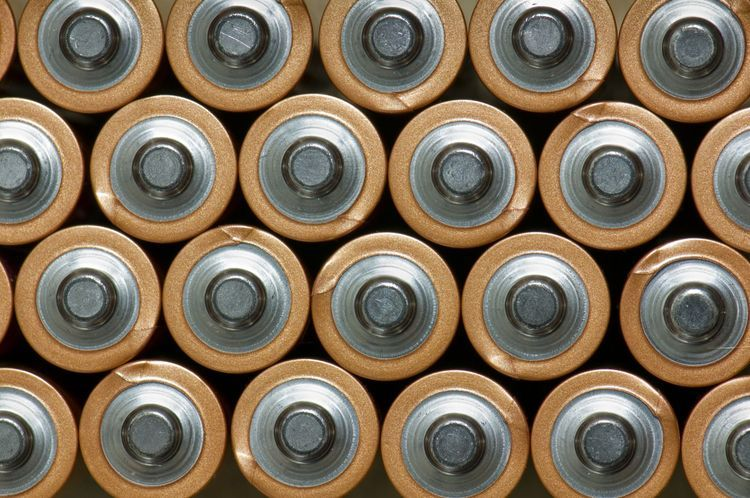 Should You Throw Away or Recycle Batteries? Recycling
