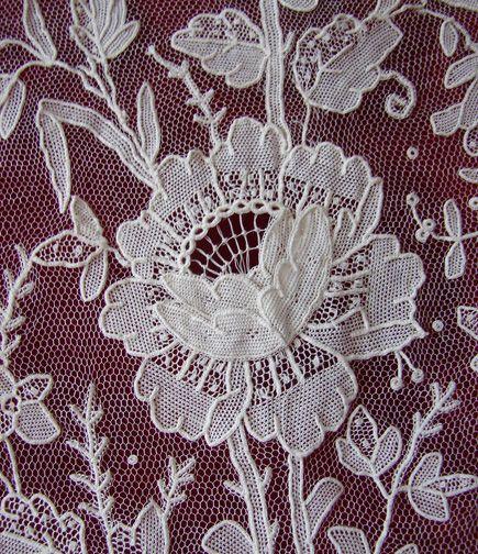 Maria Niforos Fine Antique Lace Linens Textiles Antique Lace La 27 Brussels Point De Gaze Shaw Napperon Dentelle Broderie Blanche Broderie De Dentelle