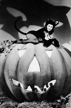 Vintage Halloween Pin Up Old Hollywood 1920s 1930s 1940s