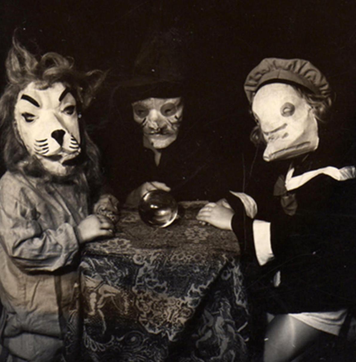 Cbs 2020 Halloween Vintage Halloween   Photo 5   Pictures   CBS News in 2020 | Creepy