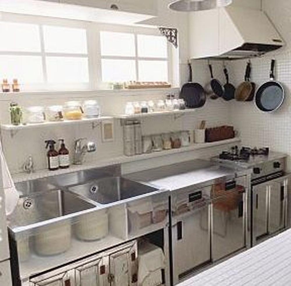 Pin By Grace Shen On Commercial Kitchen Layout Restaurant Kitchen Design Industrial Kitchen Design Commercial Kitchen Design