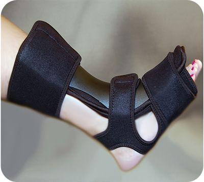 The Nap - Nightime Anterior Positioner is designed to help provide relief from pain and discomfort of plantar fasciitis and Achilles tendonitis. This soft comfortable night splint offers night time relief from plantar fasciitis.