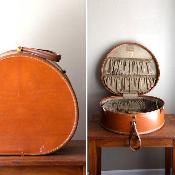 Vintage Samsonite Hat Box Round Luggage Style 4620 Samsonite Vintage Luggage Vintage Suitcases