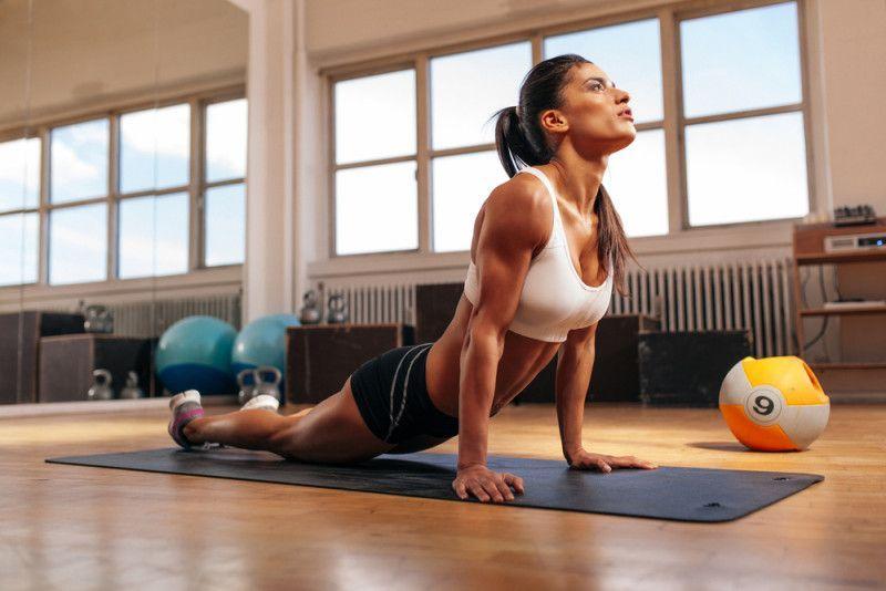 posture yoga per rimuovere il grasso della pancia
