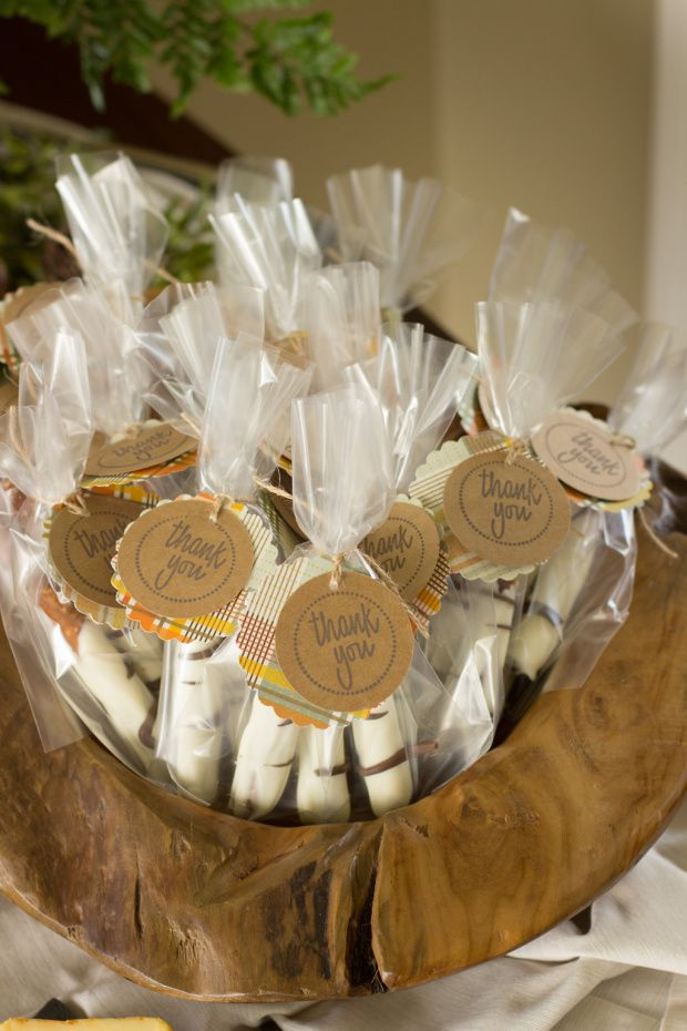 chocolate covered pretzel favors for a woodland themed baby shower, Baby shower invitation