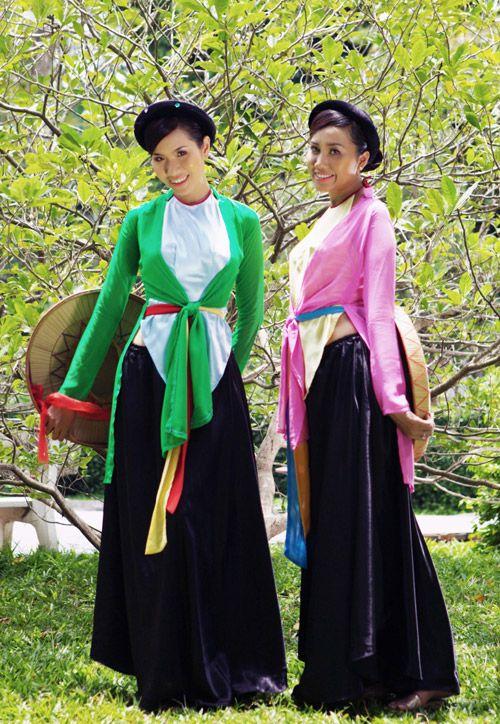 Áo tứ thân (ao tu than) | Traditional costume of Vietnam | Pinterest