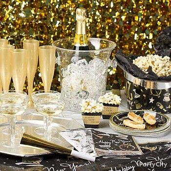 Elegant New Year S Eve Party Idea Sbholiday New Years Eve