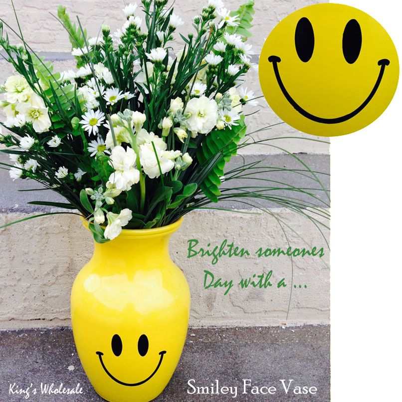 Brighten Someones Day With A Smiley Face Vase Glassware Pinterest