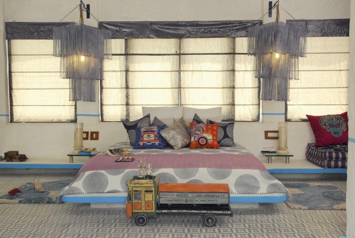 Boys bedroom design with toys large space decorating waste material art hotel decorated with recycled waste materials home design