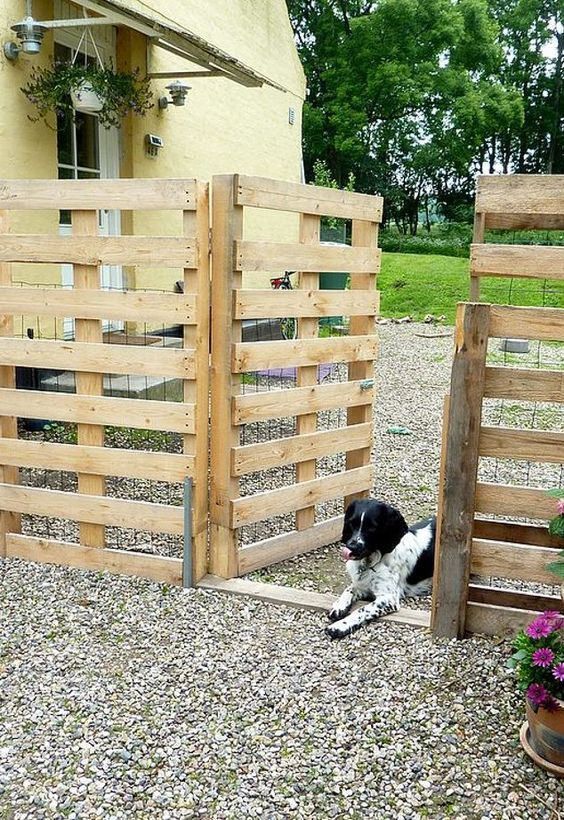 48 Wonderful Pallet Fence Ideas For Backyard Garden Pallet Awesome Backyard Fencing For Dogs Decor