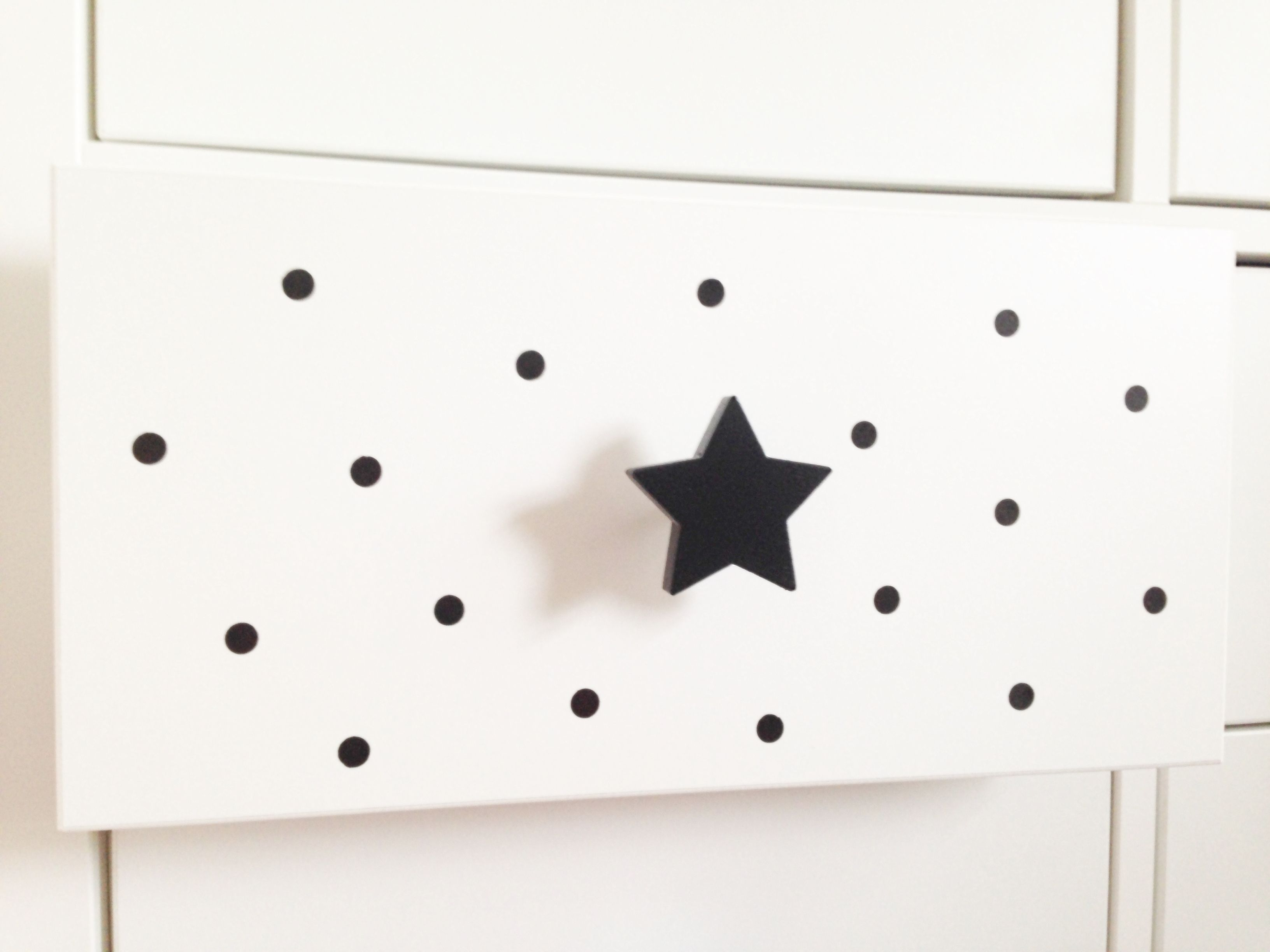 Möbelknopf Stern schwarz. Ein Blickfang in jedem Kinderzimmer. Mit ...