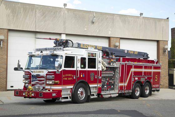 Pierce Arrow Xt Pumper With Snozzle Fire Trucks Fire Trucks