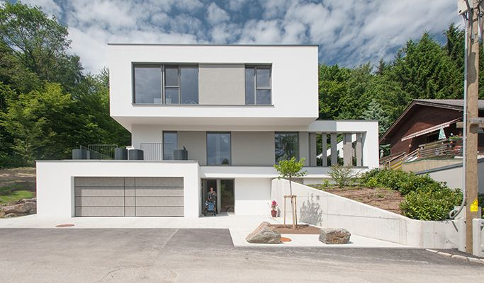 Haus am hang modern architecture for Modernes haus hang