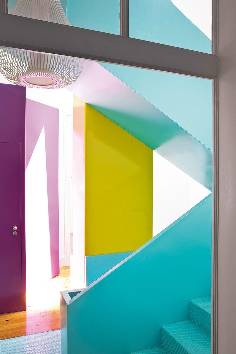 Casa cápsula en Lisboa   Stairways, Paint ideas and Interiors