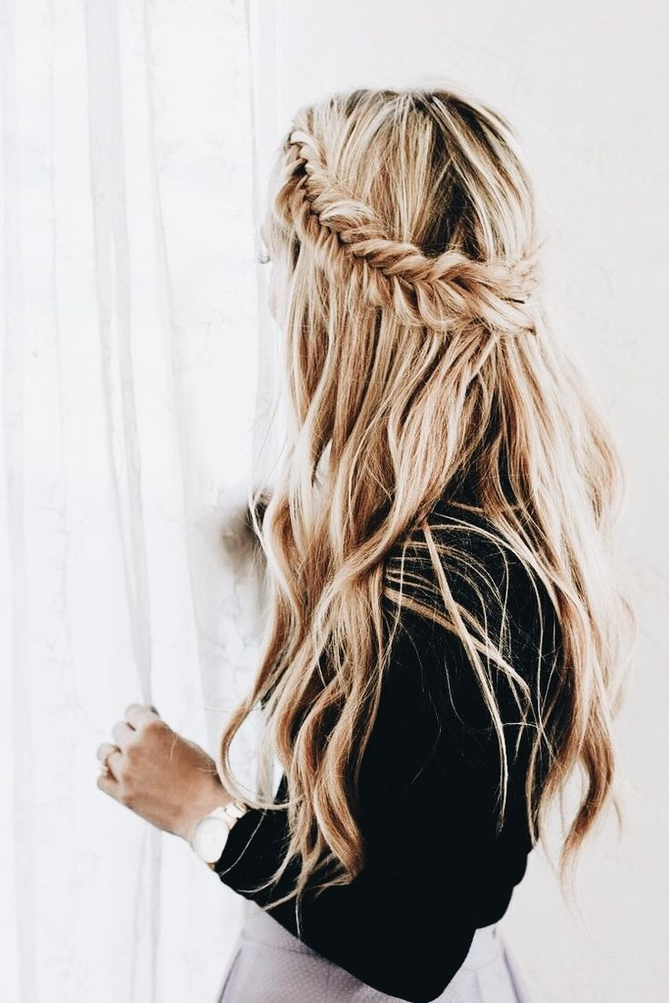 Fishtail Hairstyle Inspiration Fishtail Braid #hairstyle  #officestyle  Everyday  Professional