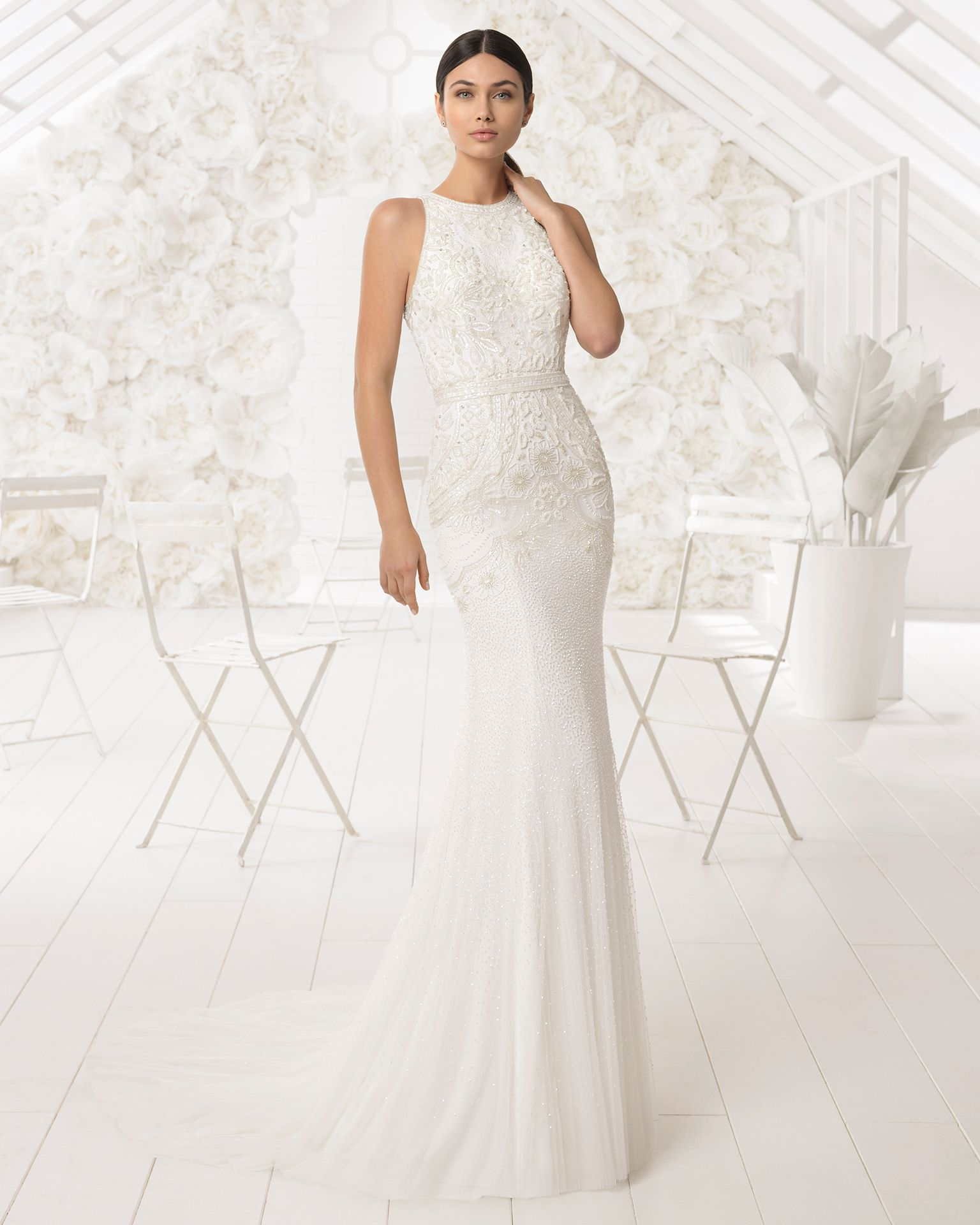 7cc8ad6b9c ... wedding dress that stylizes the female figure s natural beauty and  comes with a halter neckline that exudes class. 2018 Rosa Clará Soft  Collection.