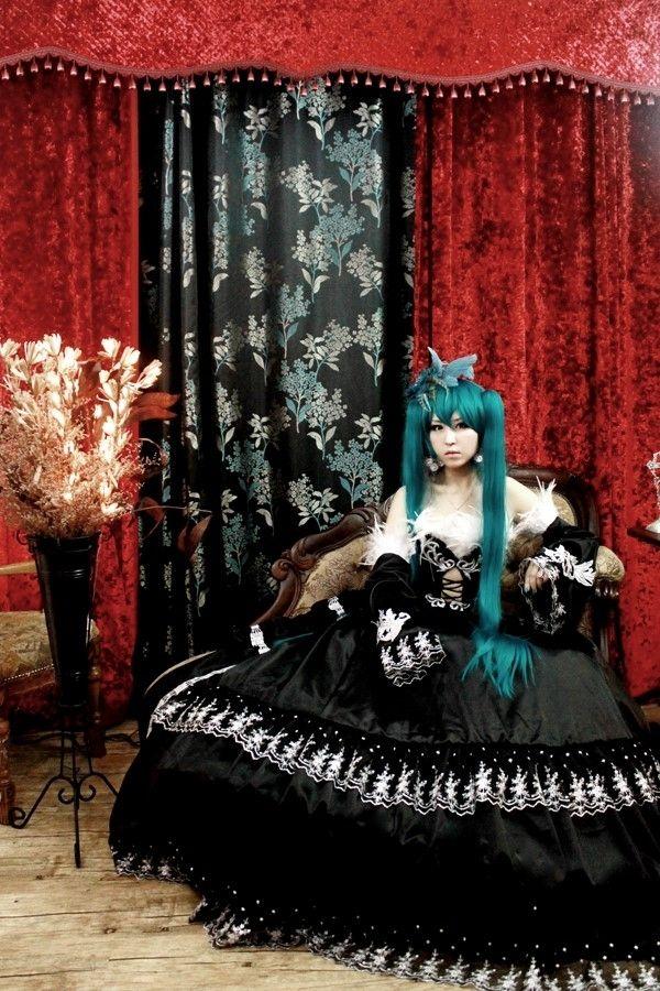 Clare(rosa) Hatsune Miku Cosplay Photo - WorldCosplay