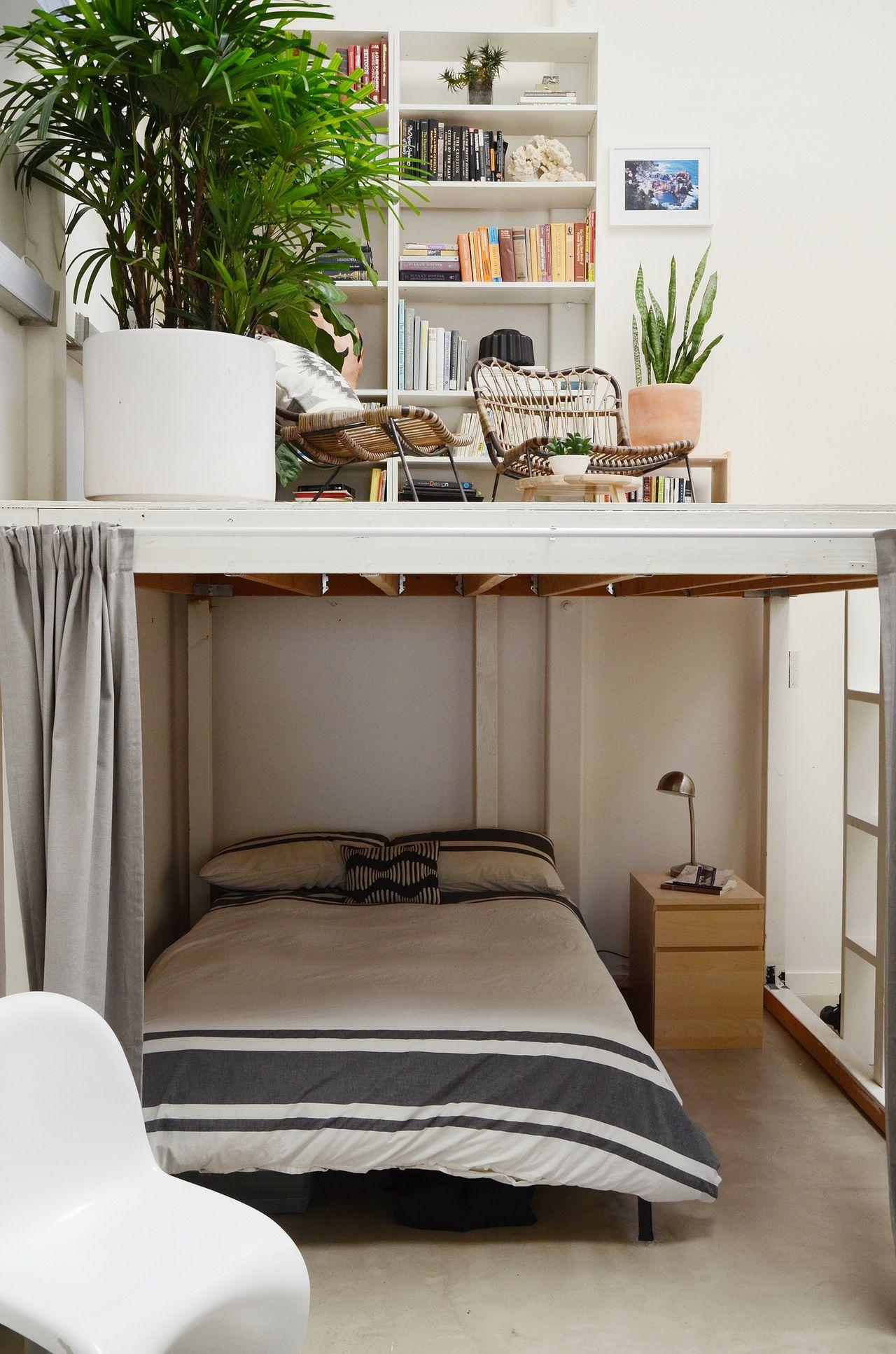 Photo of 3 Creatives Make It Work in an Open, Eclectic Modern Oakland Loft