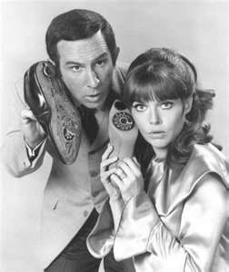 Vive la 44G ! Get Smart - Maxwell Smart and his ringing shoe phone.