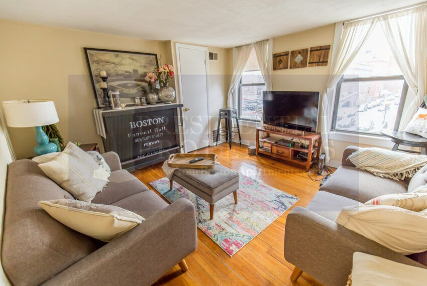 Beacon Hill Boston Ma In 2020 Boston Apartment Spacious Living Room Beacon Hill