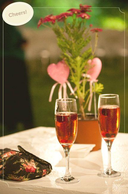 www.urbanbridesmag.co.il  מיכל ואסף, 17.3.11 | חתונות אורבניות  צילום: שי שחר  #wedding #design #flowers #cheers