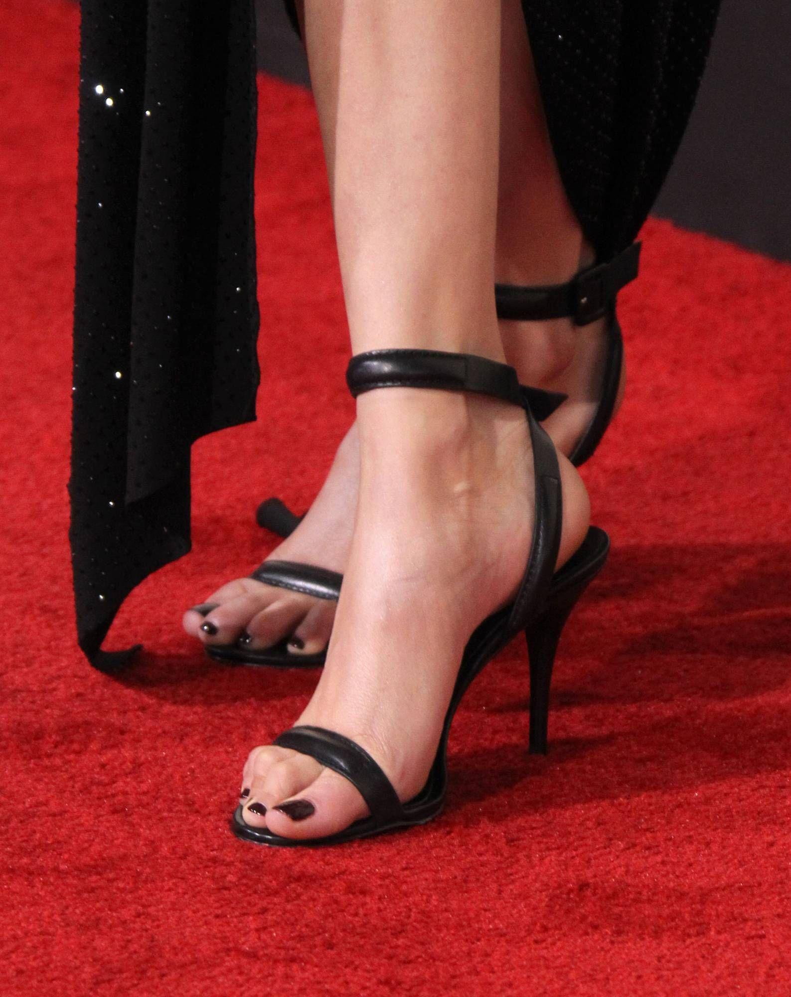Bella Hadid Wikitoes Celebrity Toe Close Ups Pinterest Bella Hadid