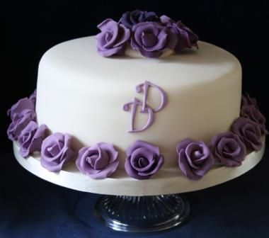 Single Tier Cake For Duncan And DonnaJPG