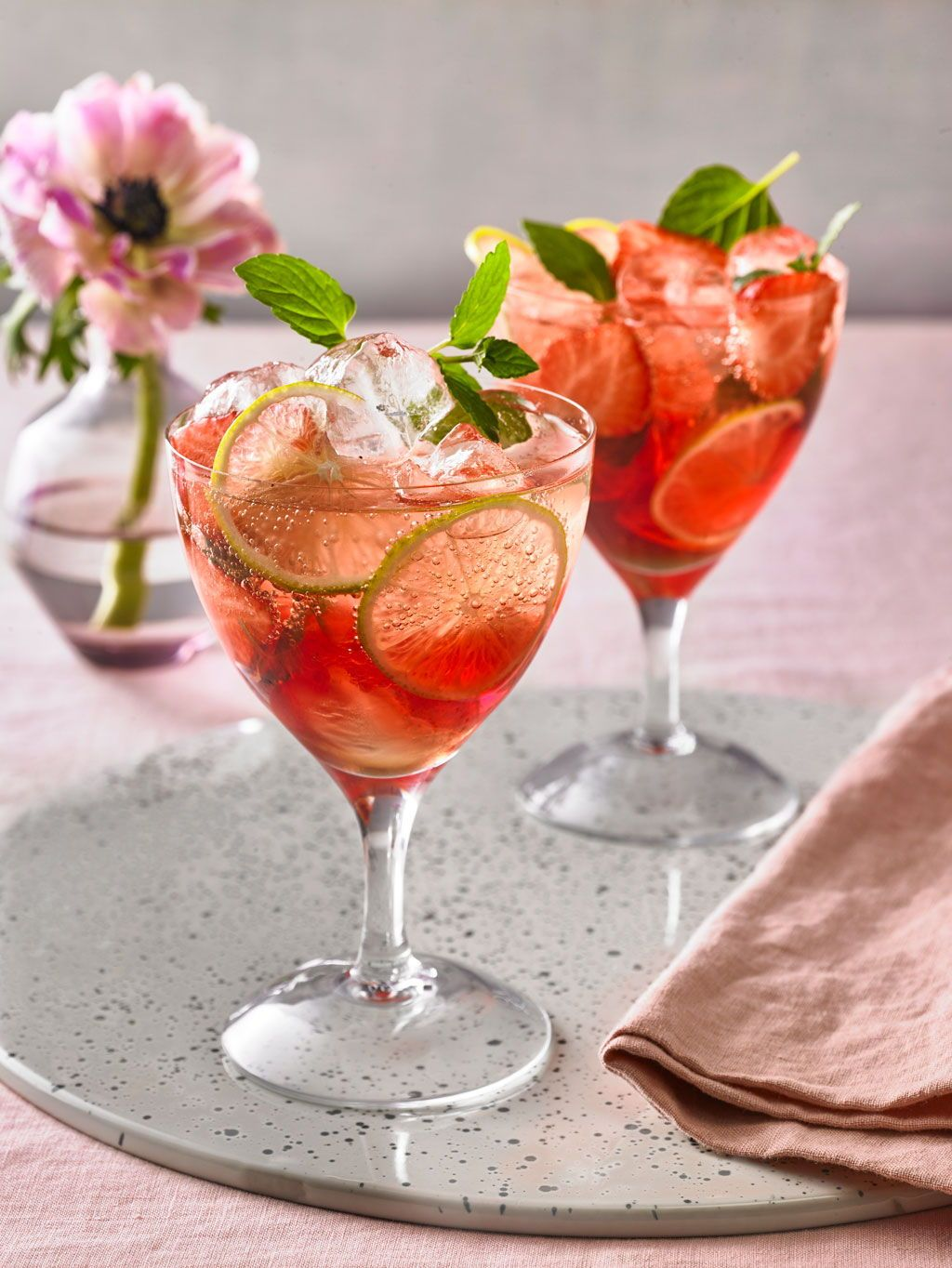 Indisches Getränk Red Hugo In 2019 Cocktail Recipes Prosecco Cocktails Cocktail