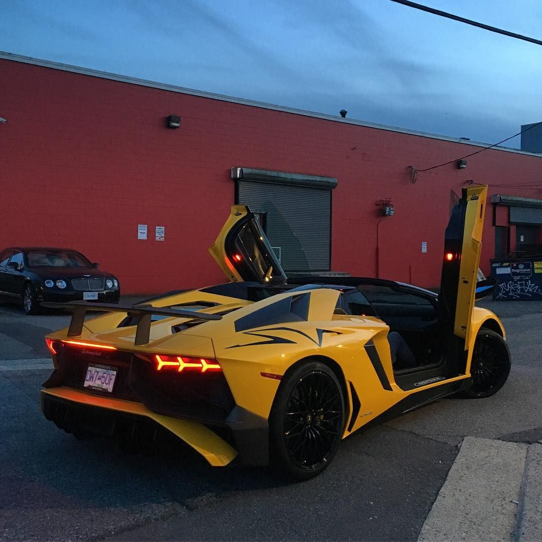 "Cars on Instagram: ""Lamborghini Aventador SV Roadster 🐝"""