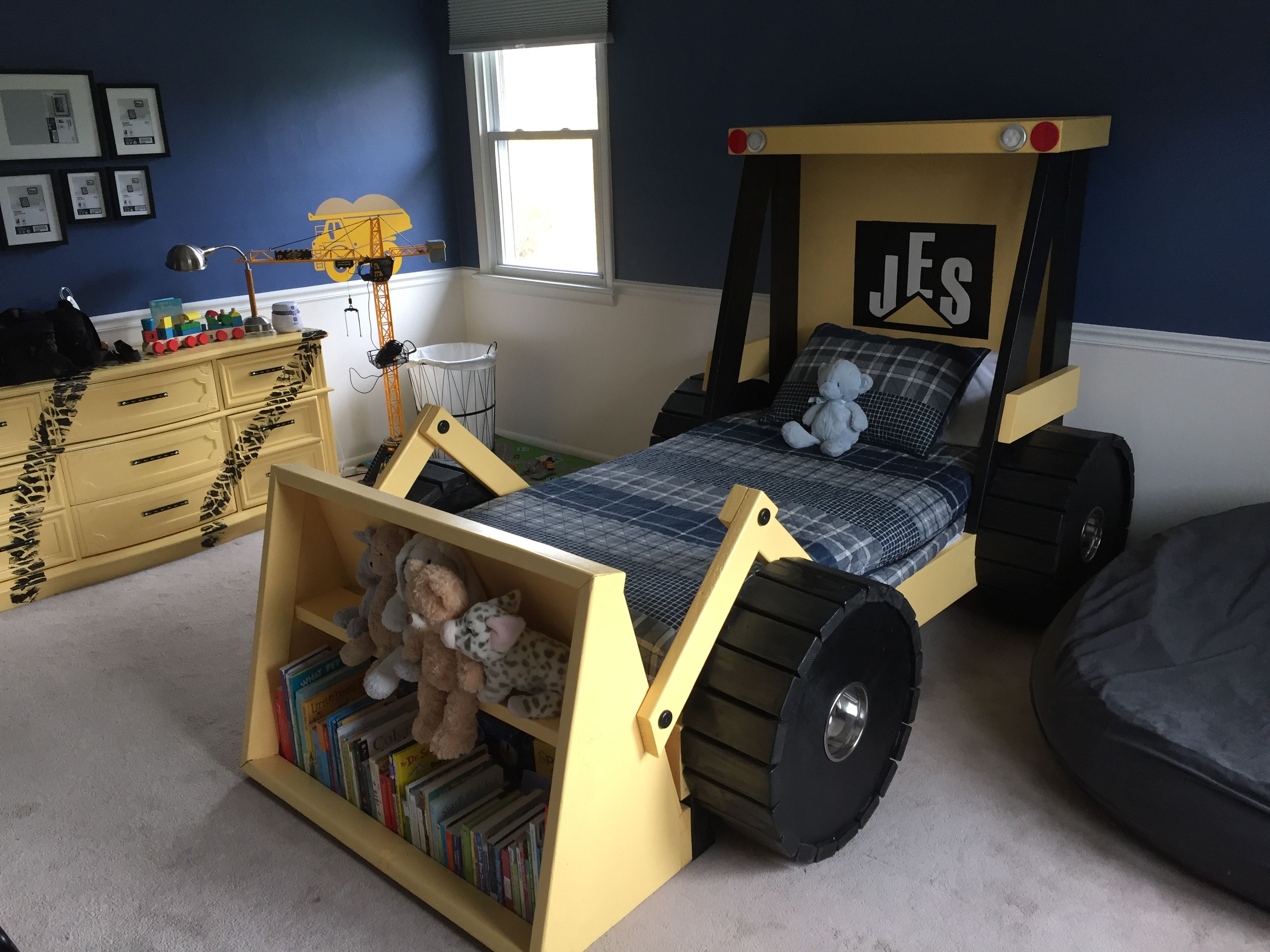 Toddler truck bed for Construction themed bedroom ideas