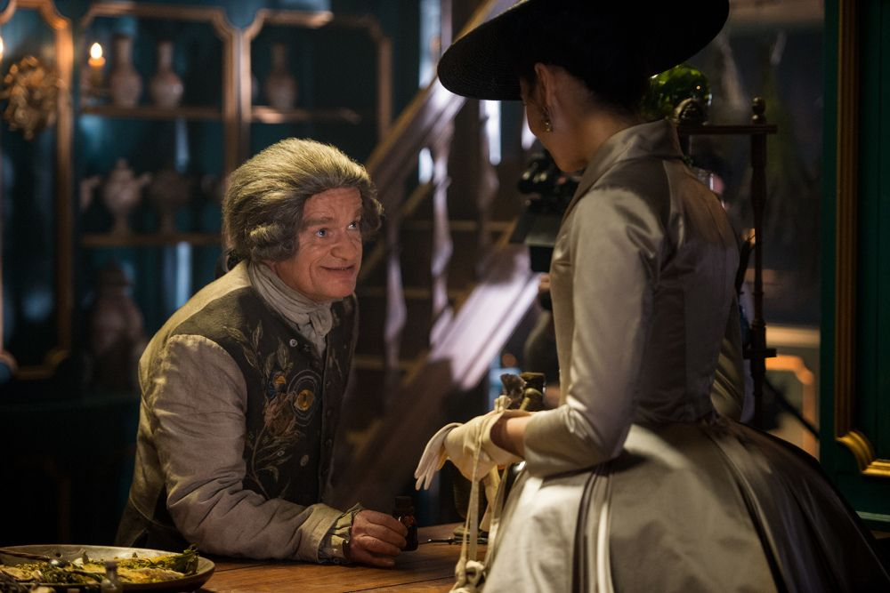 New Hq Stills Of Outlander Episode 2 02 Not In Scotland Anymore