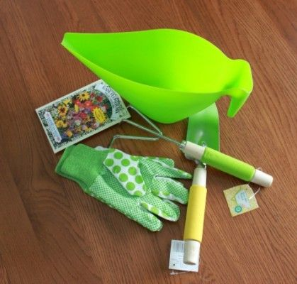 """Looking for an idea for Teacher Appreciation gifts? Find out how to make this Teacher Appreciation Gift: Seeds of Knowledge Basket -- complete with a watering can """"basket""""!"""