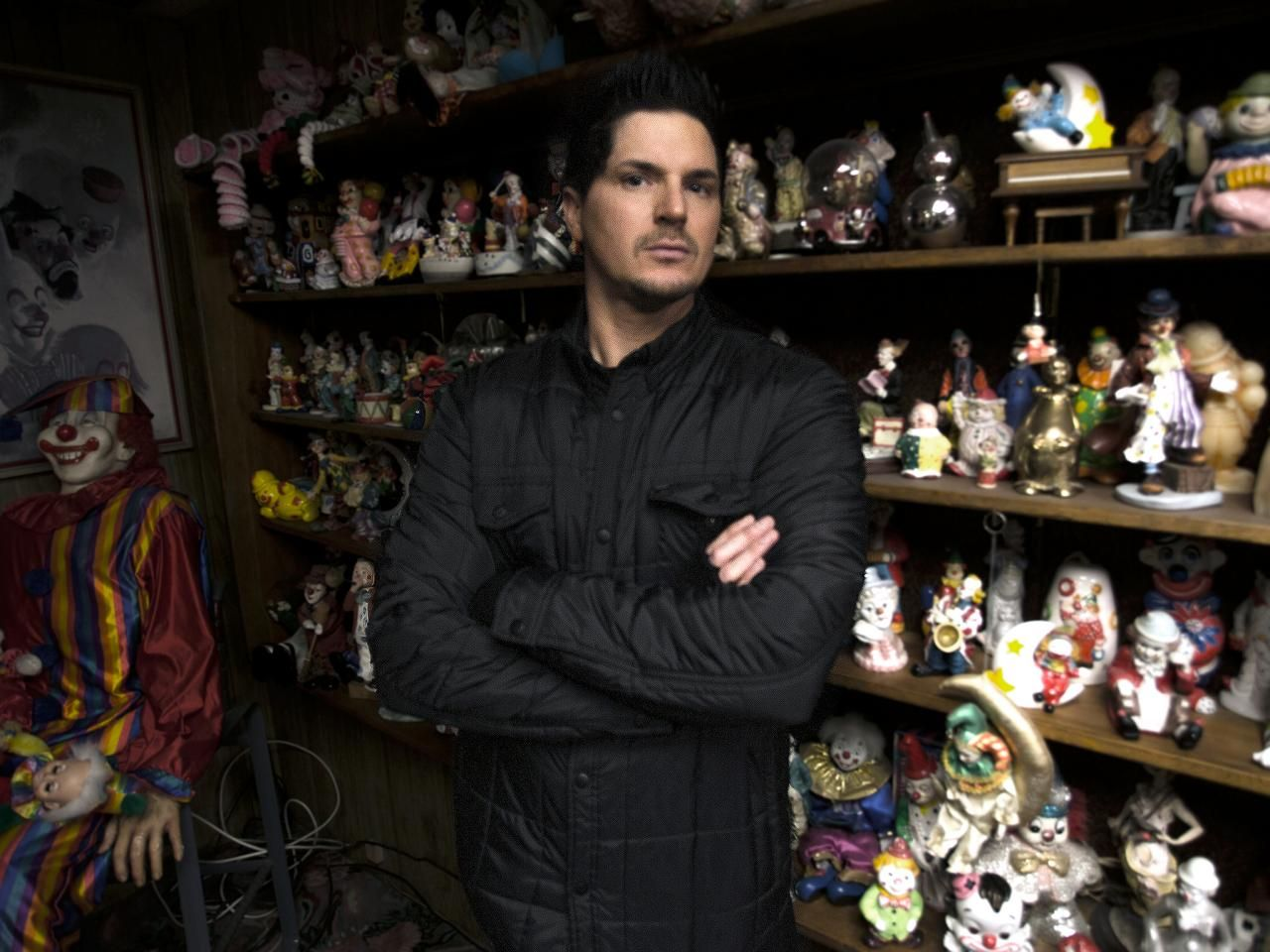 Ghost adventures clown motel and goldfield high pictures ghost ghost adventures zak faces his fear of clowns while investigating the clown motel in nevada kristyandbryce Images