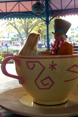 Alice and the Mad Hatter. I want a photo in a giant tea cup when I go back to Disney. #happiestplaceonearth
