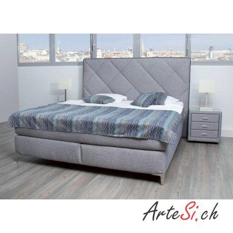 www.artesi.ch ORIENTAL Boxspringbett Sie bevorzugen ein Boxspringbett, dass mit Ruhe auf Sie wirkt? Dann ist das Designer Bett Ihr Must-Have fürs Schlafzimmer. Ziehen Sie sich zurück und vergessen Sie die Geschehnisse des Tages. Schlichte Elemente werden bei diesem Bett mit attraktiven Raffinessen kombiniert. Die dazupassenden Nachtkonsolen lassen sich bestens zu diesem Bett kombinieren. Beachten Sie, das Designer Bett bieten wir auch in verschiedenen Farben an.
