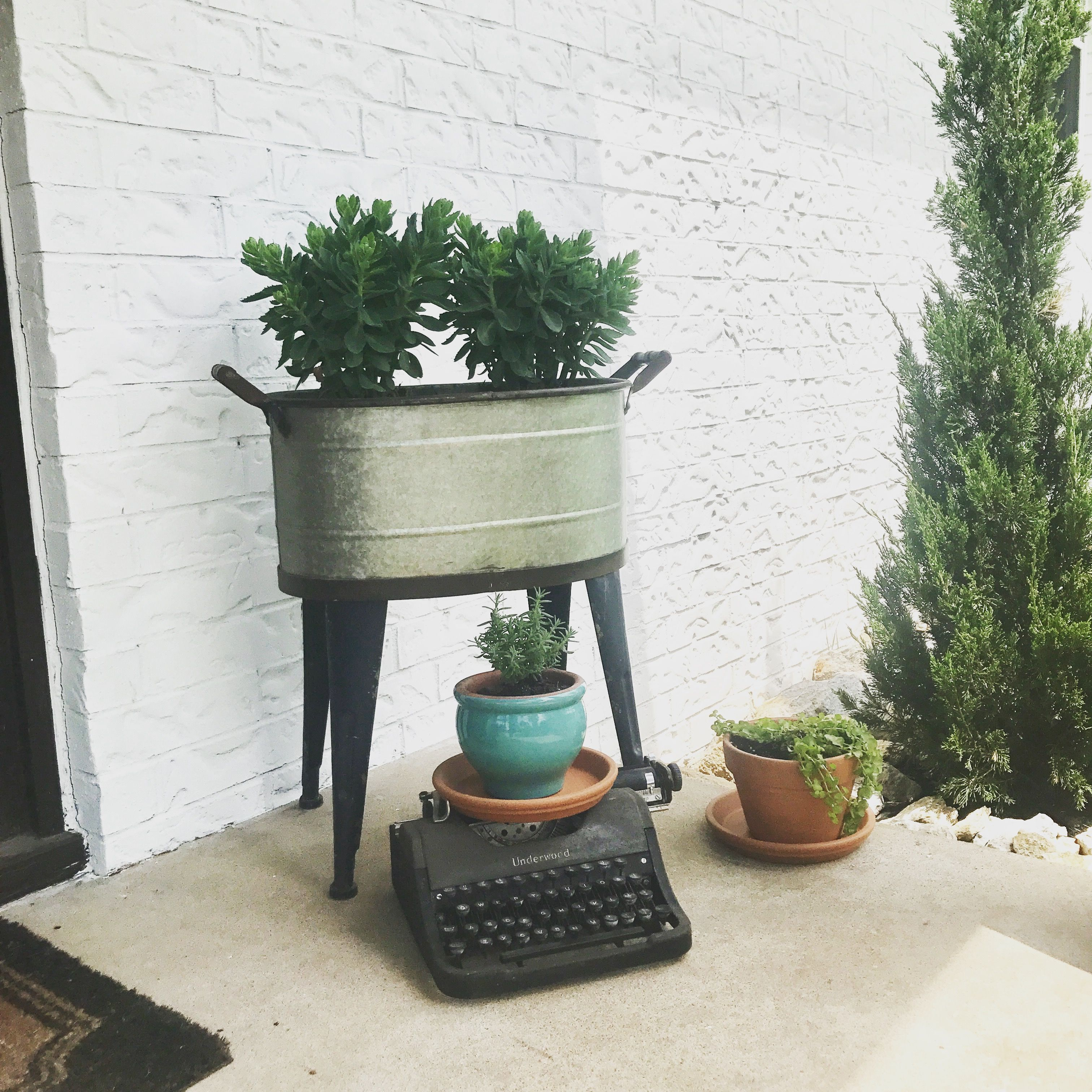 Diy Design Objects: Vintage Typewriter! Utilize Cool, Old Objects In