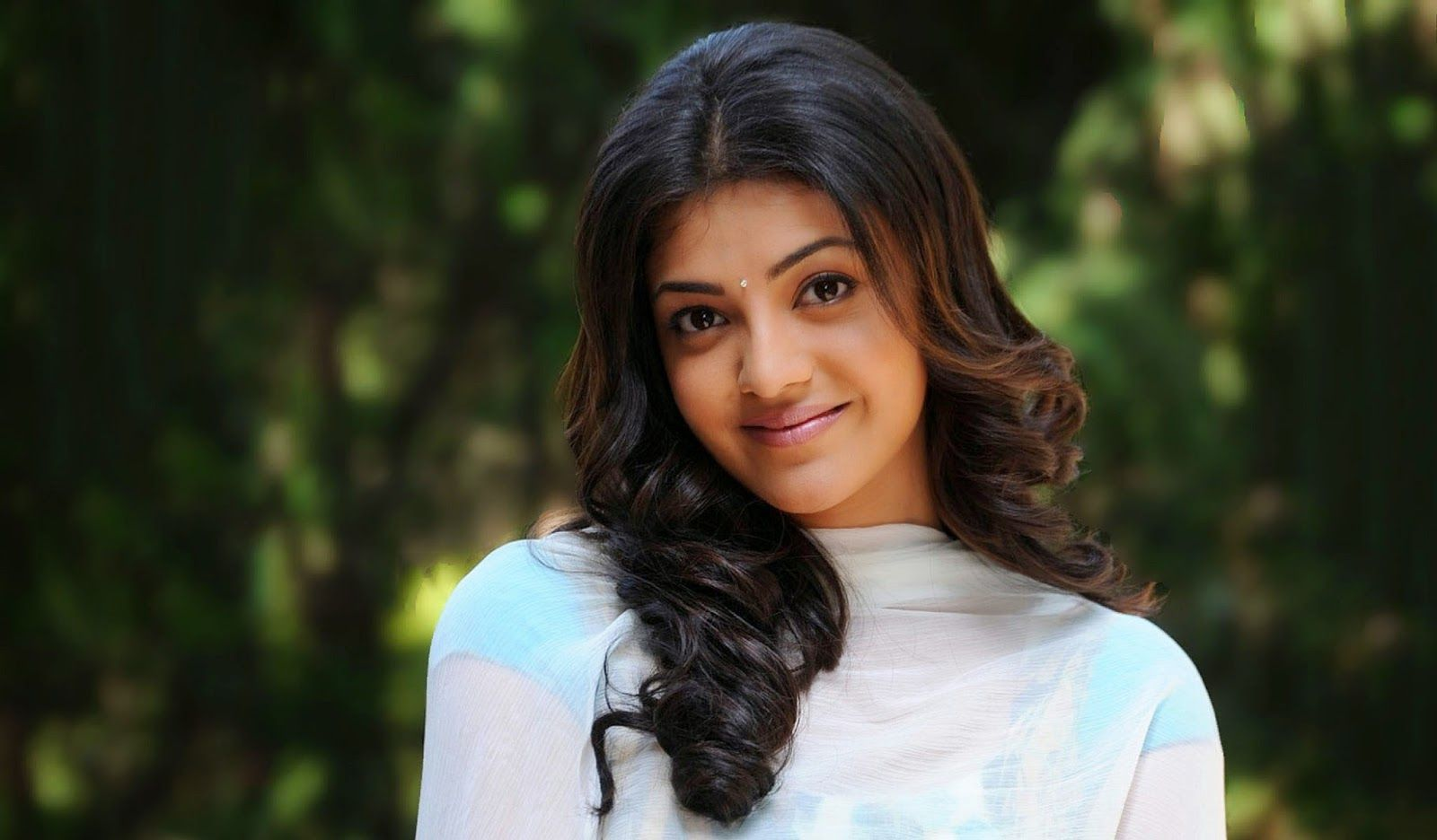 Kajal Aggarwal Wallpapers Photos Images in
