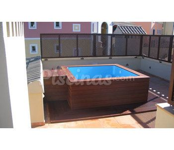 Piscina desmontable en terraza for Piscinas hinchables eroski