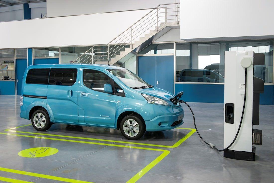 Nissan e-NV200 – il change la donne - via www.nissan-couriant.fr