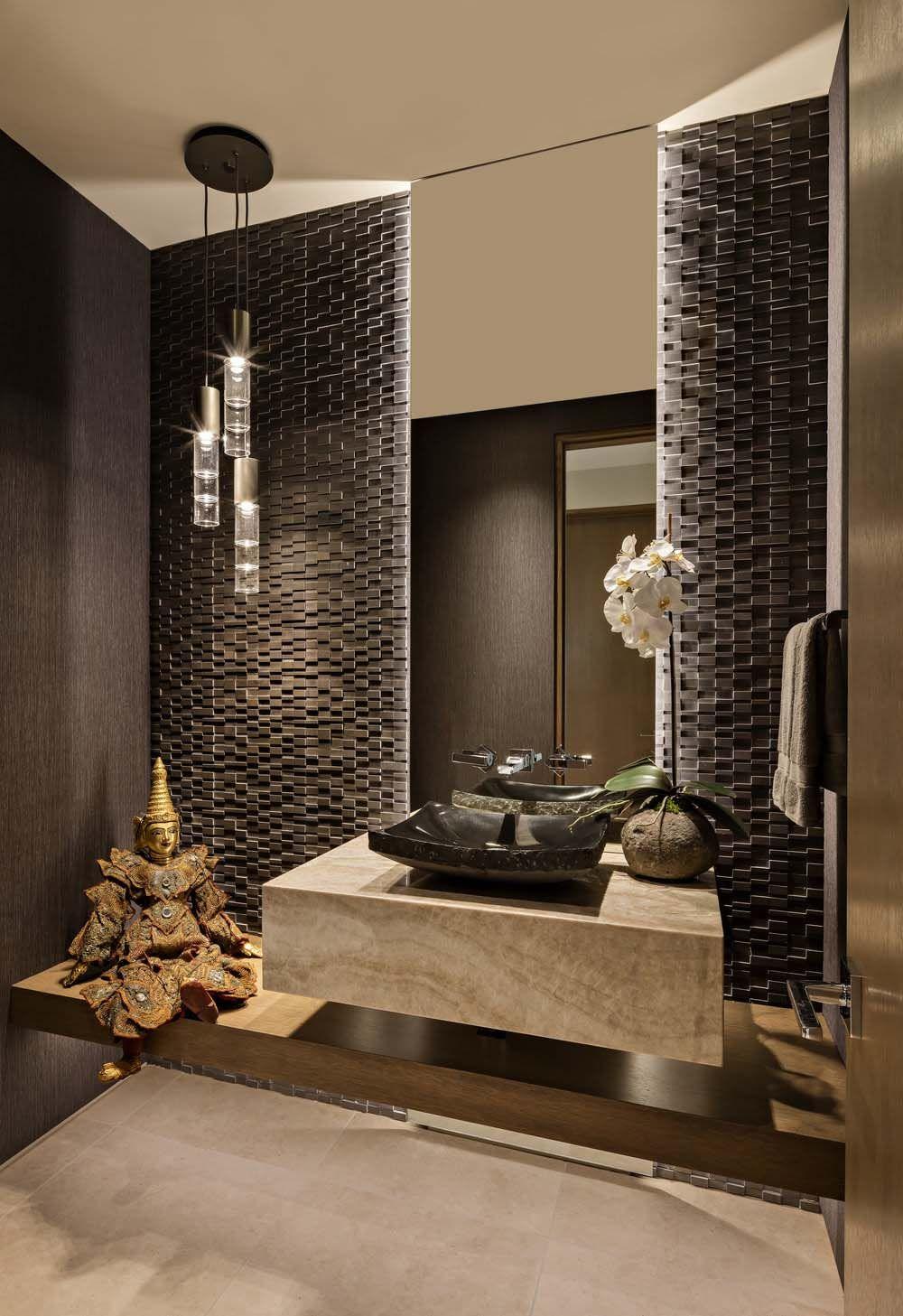 Sensational contemporary desert home blurring indooroutdoor