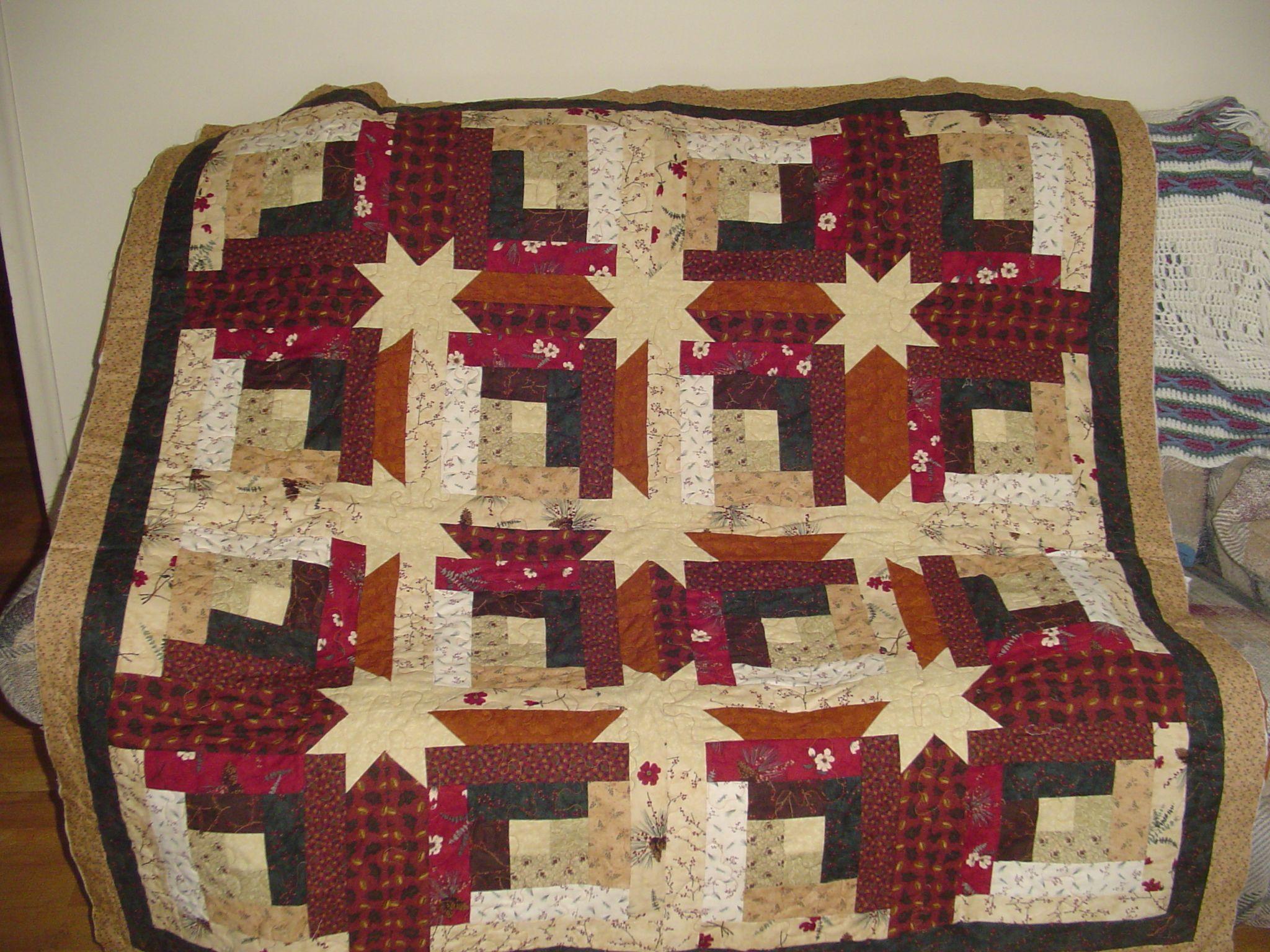 This Quilt Is Called Log Cabin Hidden Star Quilt I Got The Idea