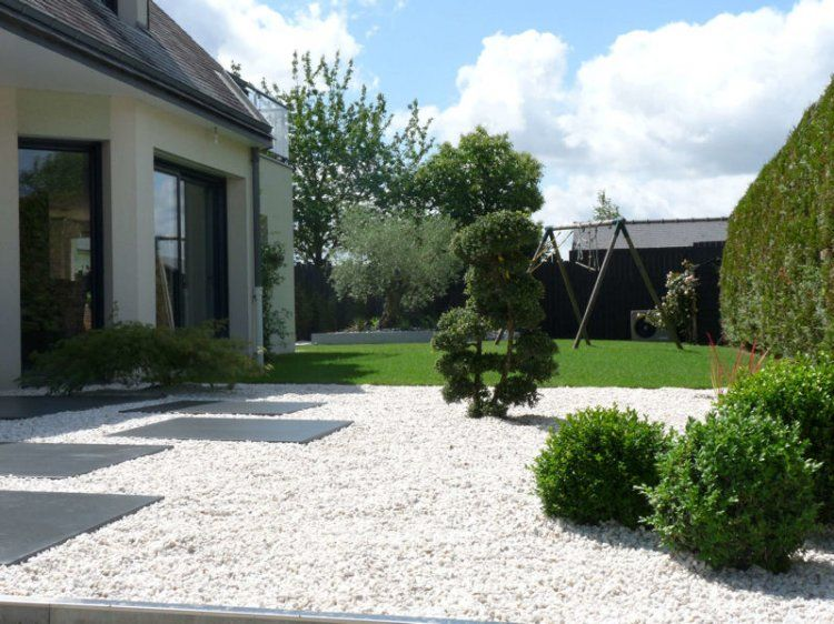 Dalles Beton Gravillon Blanc Entree Du Jardin Jardins