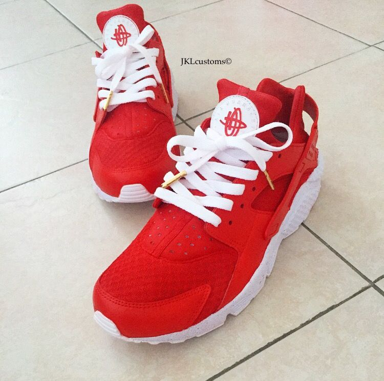 RED VELVET NIKE HUARACHE CUSTOMS. www.jklcustoms.bigcartel.com #redvelvet #